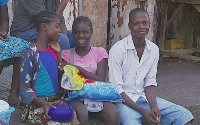 Ebola tightens its grip on Sierra Leone | Channel 4 News